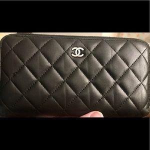 Chanel Black Matelasse Zippy Wallet